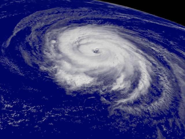 635773280034784688-d-hurricane-blline-19